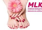 Manicuría + belleza de pies
